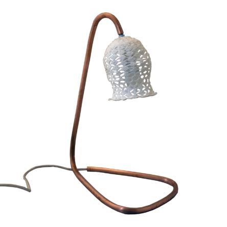 Lampa biurkowa z rurki miedzianej Slim